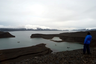 Telefon bay, Deception Island